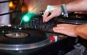 Mobile DJ for weddings - Stewart Reid Entertainment