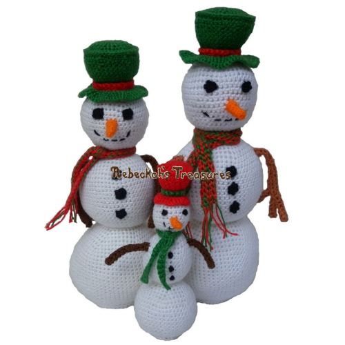Snowmen Crochet Pattern PDF $4.00 by Rebeckah's Treasures! Grab your copy today here: http://goo.gl/3aIpjC #crochet #pattern #snowmen #amigurumi #christmas #toys