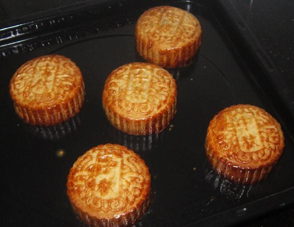 Fragrant and delicious Mooncakes Recipe for Mid-Autumn