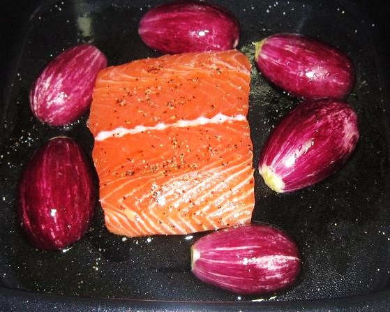 Frying Salmon and Brinjal In Go Chef Cooker