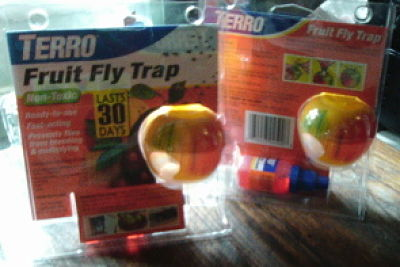 TERRO® Fruit Fly Traps lure adult fruit flies into the trap using a non-toxic, food-based liquid lure. Once the flies enter the trap, they cannot escape to continue breeding and multiplying.
