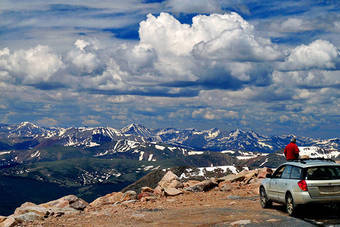 Mount Evans drive to the top