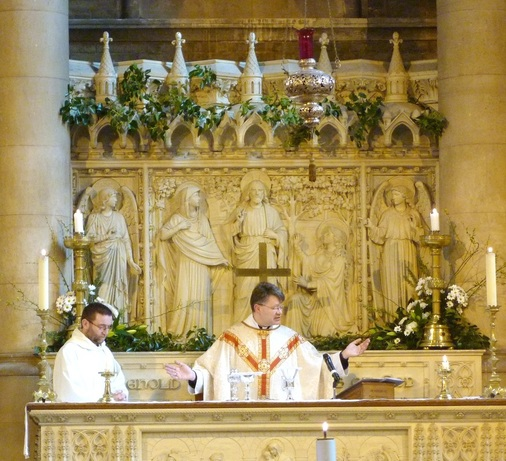 Eucharist at the high altar, Easter Sunday, 2014..