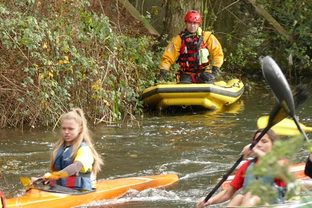 Herts Boat Rescue at the Stortford WS race