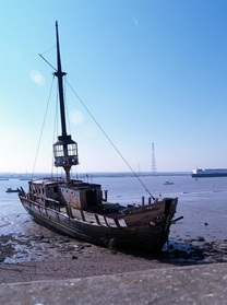 Picture of derelict ship on Thames Estuary